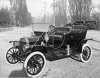 El primer carro de Ford se llamaba T