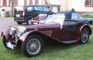 El primer carro de Jaguar fue el SS100