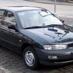 El Kia Sephia, fabricado entre 1992 y 2003, era un carro compacto que estaba disponible en versiones Sedán y Hatchback.
