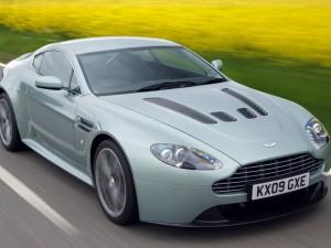 Aston Martin V12 Vantage 2012: hermoso y con muchas cualidades deportivas