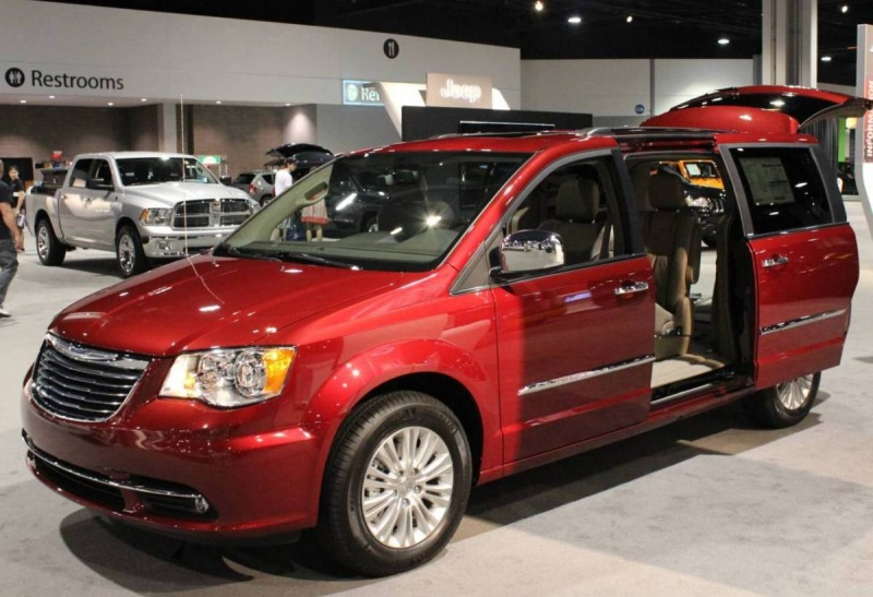 chrysler town country 2012 un carro ideal para salir de vacaciones lista de carros. Black Bedroom Furniture Sets. Home Design Ideas