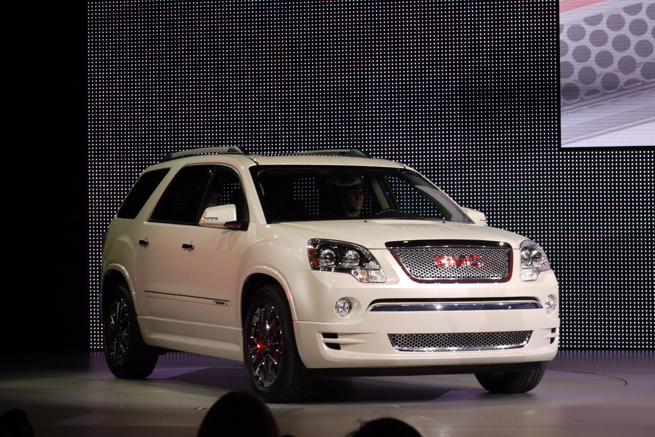 gmc acadia denali 2012 potencia belleza comodidad y equipamiento premium lista de carros. Black Bedroom Furniture Sets. Home Design Ideas