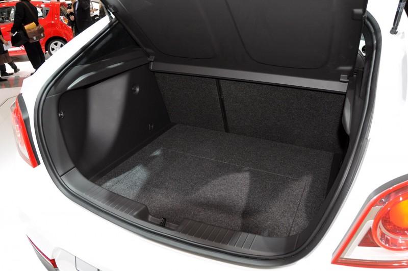 Maletero Del Chevrolet Cruze Hatchback 2013 Lista De Carros