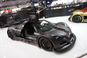 Gumpert Apollo Enraged: exclusivo y muy, muy potente.