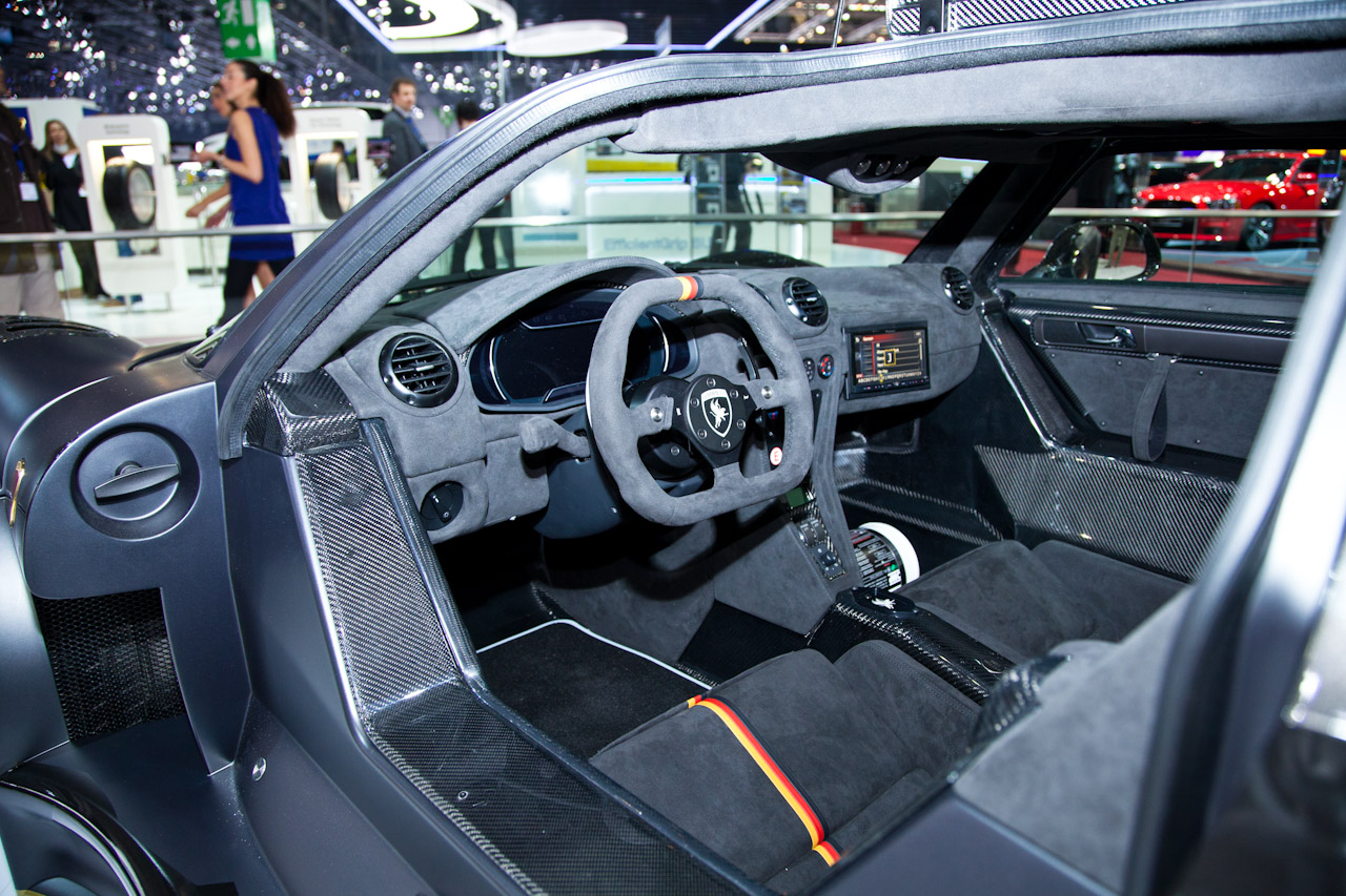 Gumpert Apollo Enraged Interior el Gumpert Apollo Enraged en