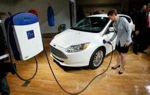 Ford Focus eléctrico 2013: potencia, tecnología y atractivo diseño.