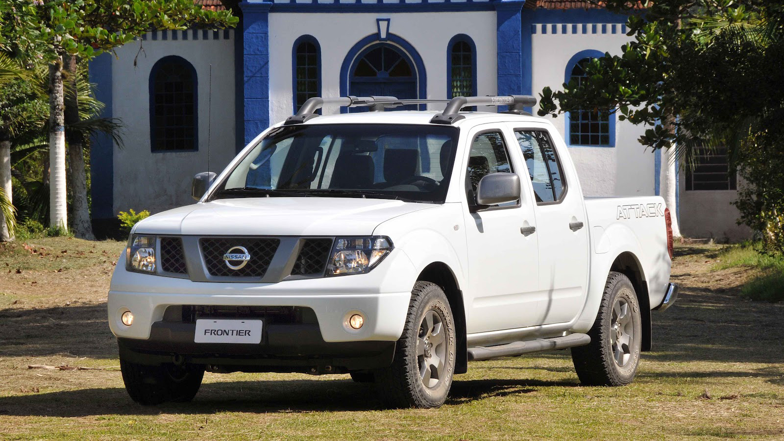 nissan frontier 2013 una pickup ideal para el trabajo y. Black Bedroom Furniture Sets. Home Design Ideas