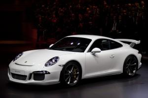 Salón de Ginebra 2013: Porsche 911 GT3, un carro de carreras para la ciudad