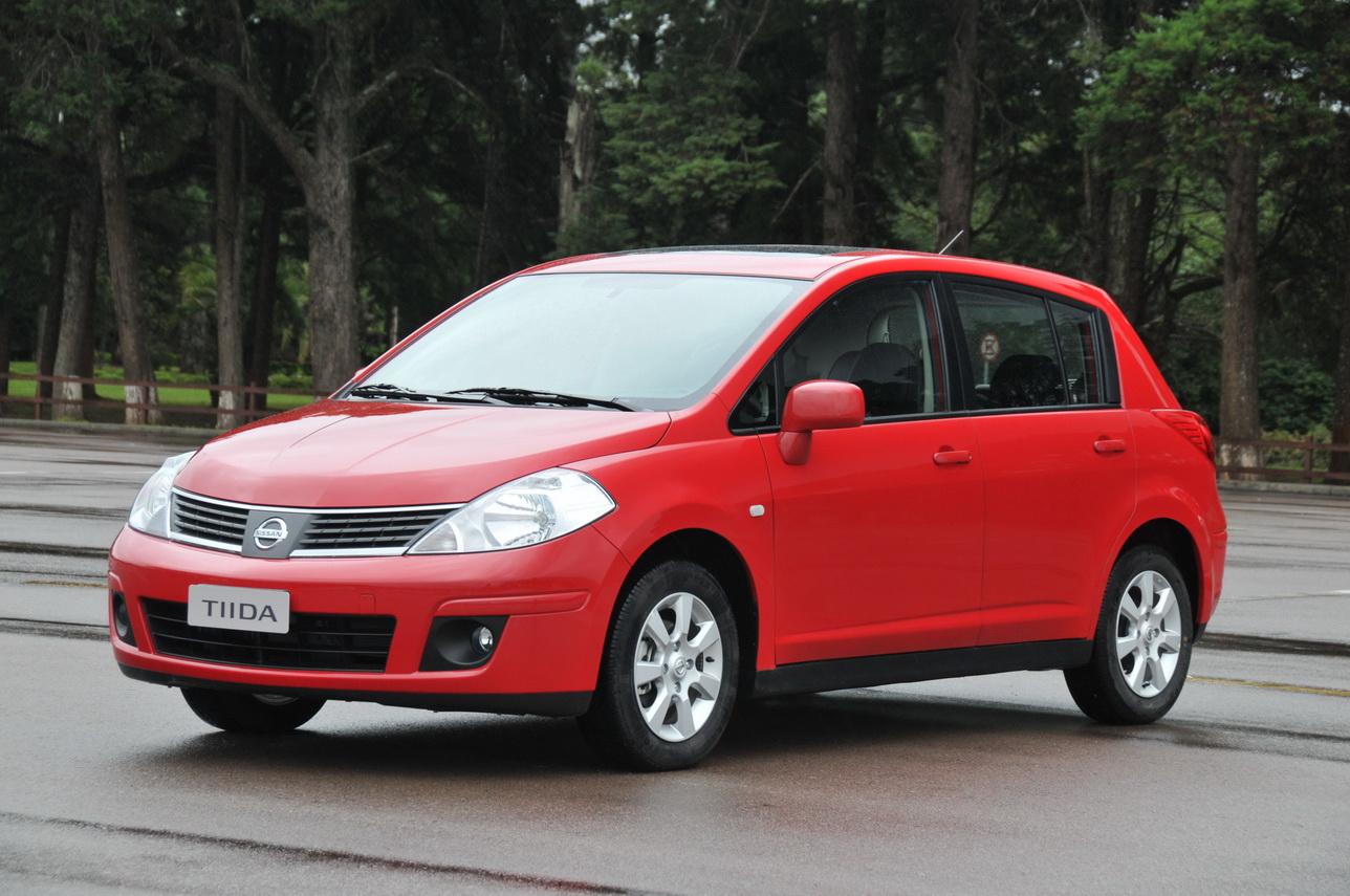 Nissan Tiida Hatchback 2013