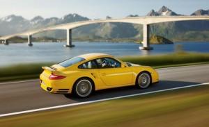 Porsche 911 Turbo 2013: ideal para los amantes de la velocidad y el lujo.
