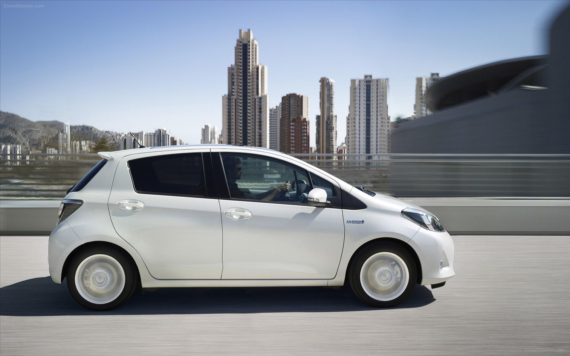 toyota yaris hybrid 2013 ahorro y comodidad lista de carros. Black Bedroom Furniture Sets. Home Design Ideas