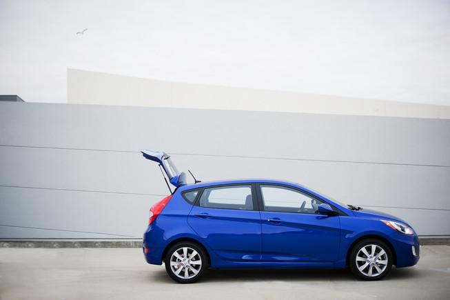 Hyundai Accent Hatchback 2013 Sus Principales Rivales Son
