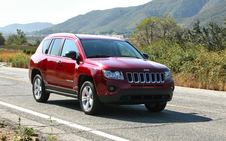 jeep compass 2013 una suv para compradores exigentes lista de carros. Black Bedroom Furniture Sets. Home Design Ideas