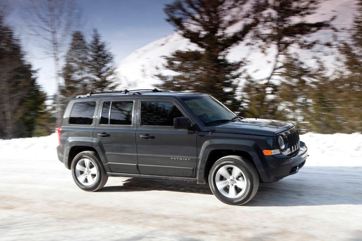 jeep patriot 2013 dinamismo presencia y buen precio lista de carros. Black Bedroom Furniture Sets. Home Design Ideas