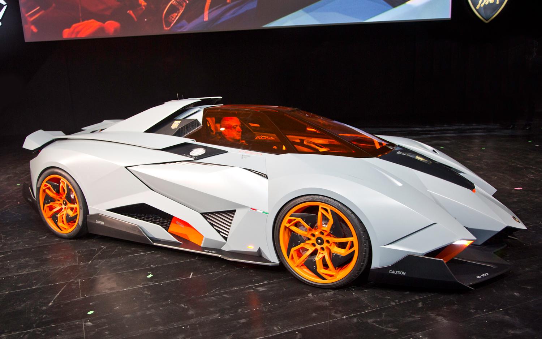 lamborghini egoista concept es un carro de una sola plaza
