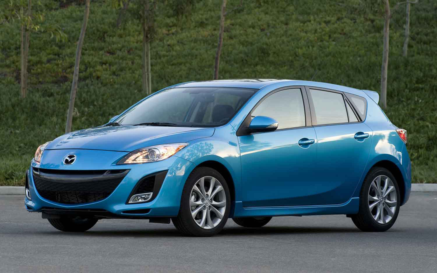 2007 Mazda 3 Hatchback Accessories Image