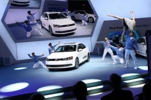Volkswagen Jetta Hybrid 2013: precios, versiones, ficha técnica, imágenes y lista de rivales.