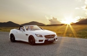 Mercedes Benz Clase SLK 55 AMG 2013: igual belleza, mayor potencia