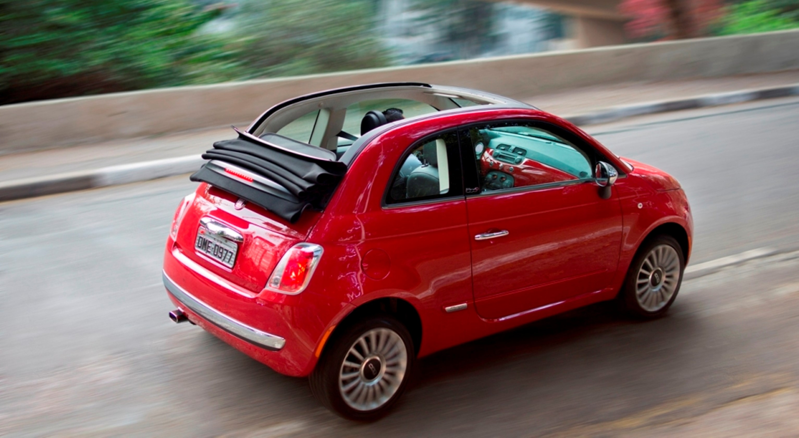 image gallery 2013 fiat 500 cabrio. Black Bedroom Furniture Sets. Home Design Ideas