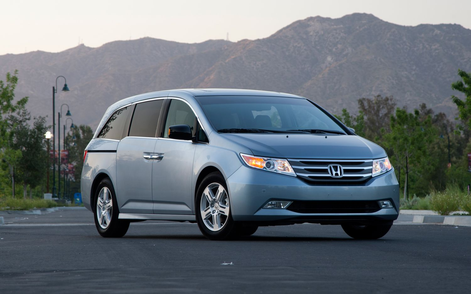 honda odyssey 2013 utilidad comodidad y excelente precio lista de carros. Black Bedroom Furniture Sets. Home Design Ideas