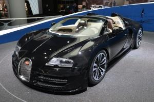 Bugatti Veyron Grand Sport Vitesse Jean Bugatti: solo 3 unidades a 3 millones de dólares.