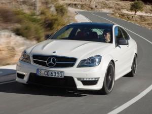Mercedes Benz Clase C 63 AMG Coupe 2013: elegancia, poder y estilo.