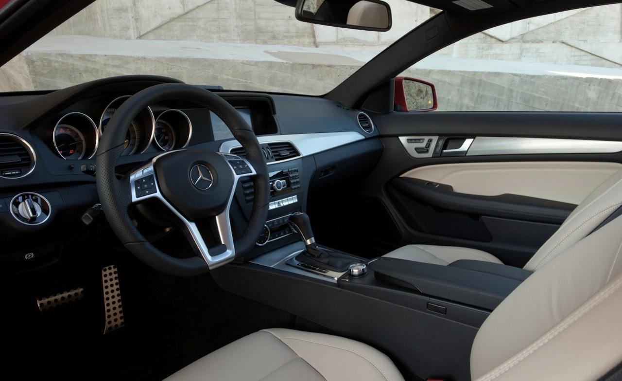interior del mercedes benz clase c coupe 2013 lista de