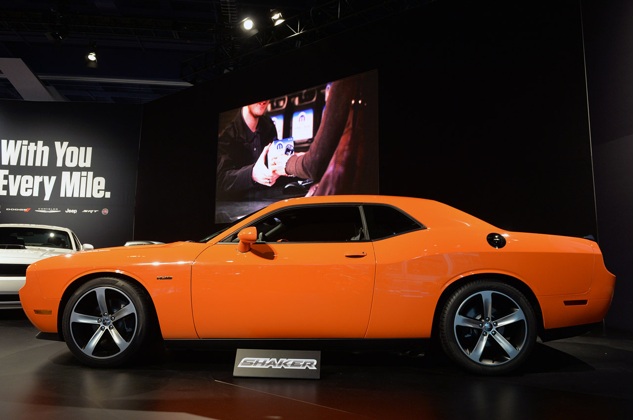 dodge challenger r t shaker 2014 una bella bestia lista de carros. Black Bedroom Furniture Sets. Home Design Ideas