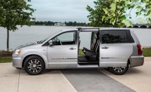 Chrysler Town & Country 2014: una Minivan bien pensada.