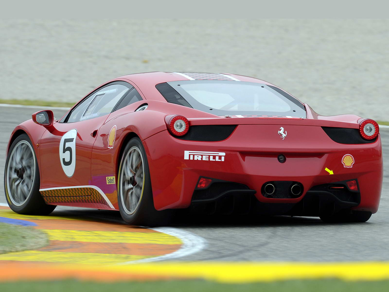 ferrari 458 challenge 2014 una estrella que brilla con m s potencia lista de carros. Black Bedroom Furniture Sets. Home Design Ideas