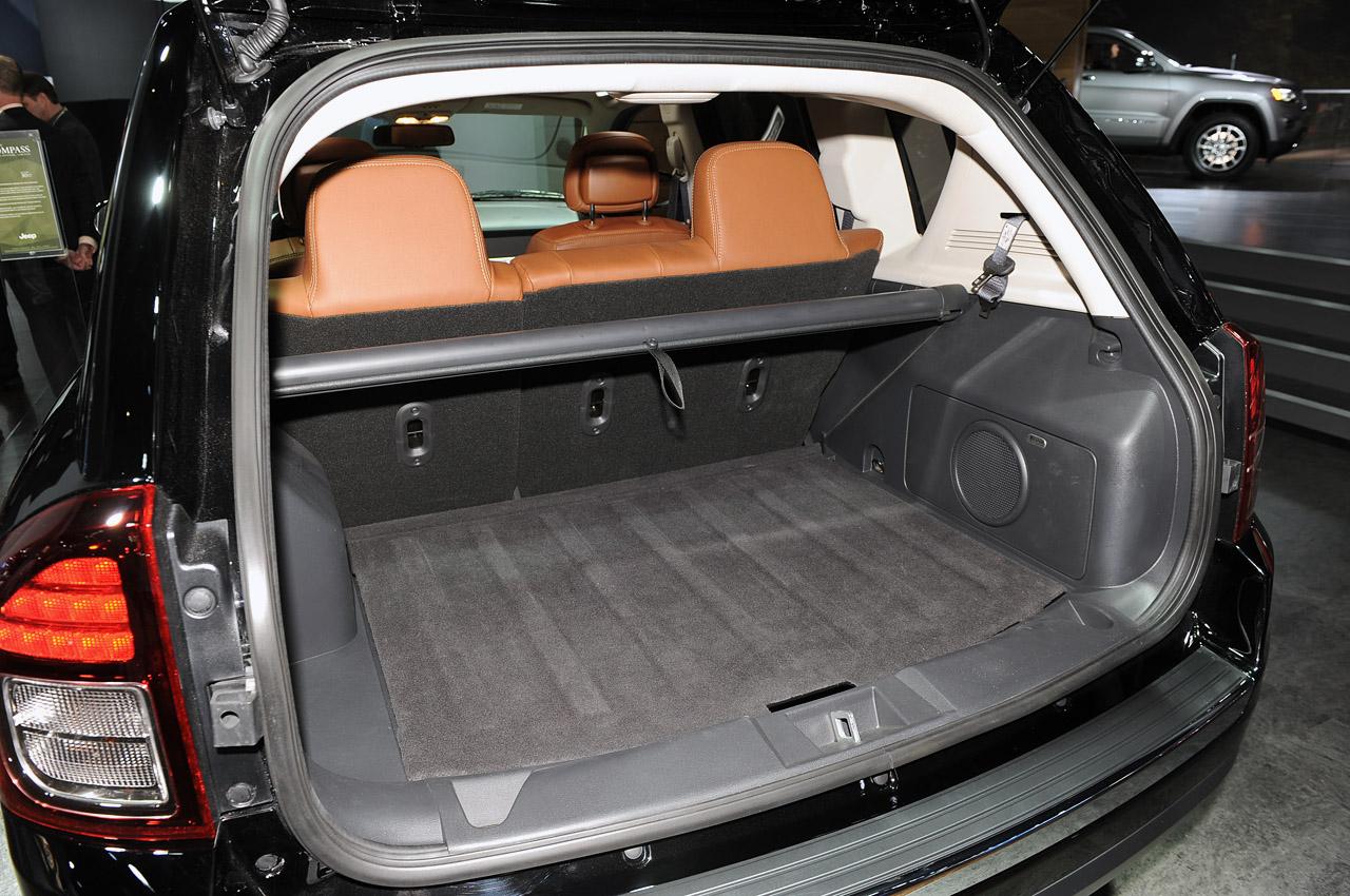 interior del jeep compass 2014 lista de carros. Cars Review. Best American Auto & Cars Review