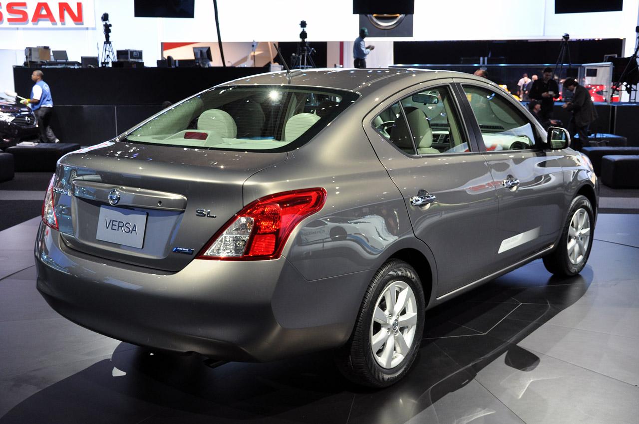 Nissan Versa Sed 225 N 2014 Para Eeuu Tiene Estos Precios Y
