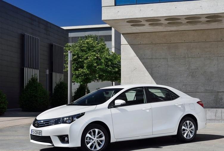 Toyota Corolla 2014 Juvenil Moderno Econ Mico Y Eficiente Lista De Carros