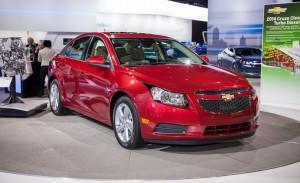 Chevrolet Cruze Sedán 2014: Llega estrenando una versión Turbo.