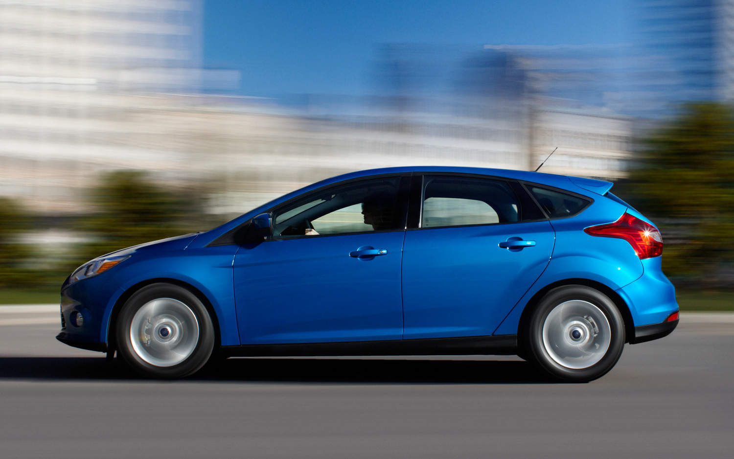 ford focus hatchback 2014 tecnolog a dise o y elegancia lista de carros. Black Bedroom Furniture Sets. Home Design Ideas