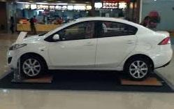 Mazda2 Sedán 2014: estilo, economía y bajo precio.
