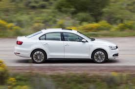 Volkswagen Jetta Hybrid 2014: potencia y eficiencia de combustible.