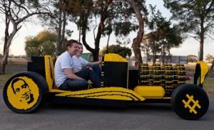 Fabrican un carro real con 500mil piezas de Lego.