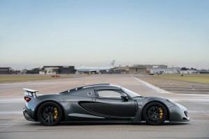 Hennessey Venom GT es el carro más rápido del mundo.
