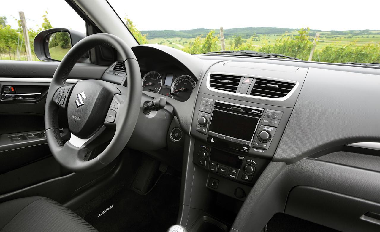 Interior Del Suzuki Swift 2014 Lista De Carros