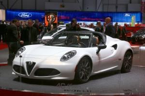 Salón de Ginebra 2014: Alfa Romeo 4C Spider.