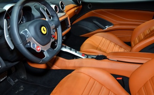 Interior del ferrari california t lista de carros for Ferrari california t interieur
