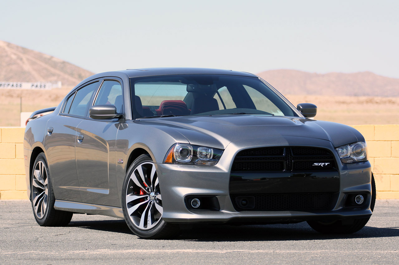 dodge charger srt8 2014 deportivo radical y explosivo lista de carros. Black Bedroom Furniture Sets. Home Design Ideas