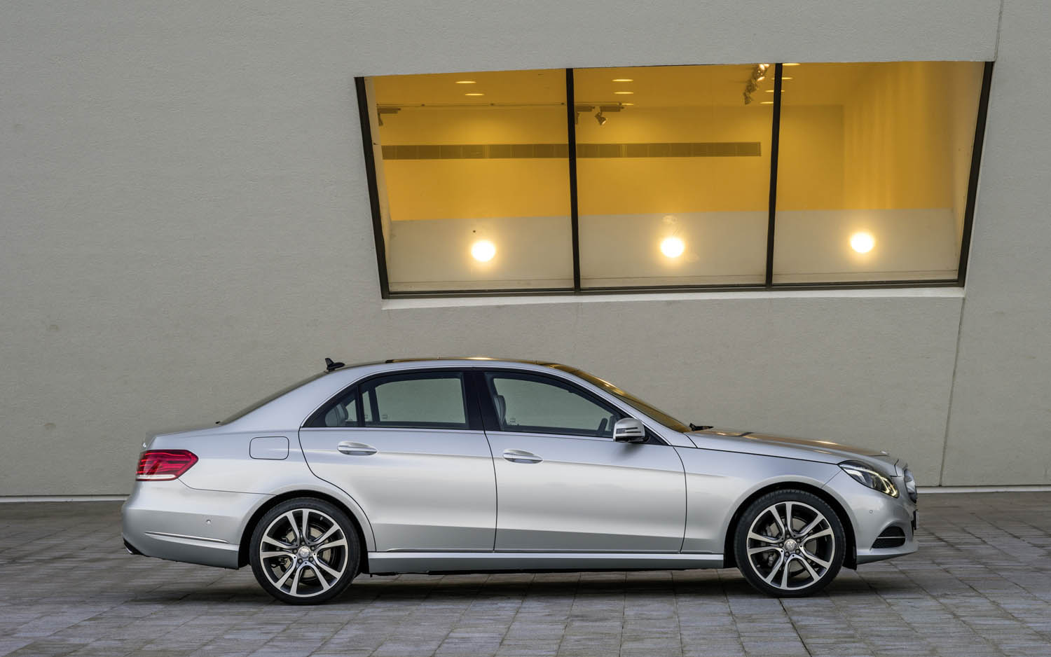 Mercedes benz clase e sed n 2014 m s agresivo y con for 2014 mercedes benz e class e250 bluetec sedan review