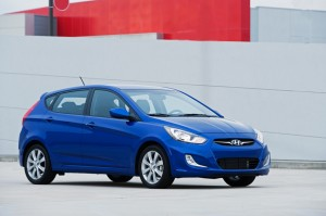 Hyundai Accent Hatchback 2014 (Hyundai i25 Hatchback 2014): deportivo, elegante y juvenil.