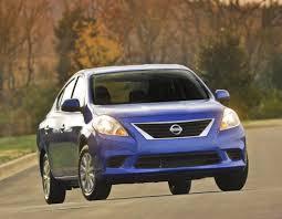 Nissan Tiida Sedán 2014: atractivo, juvenil y de buen precio.