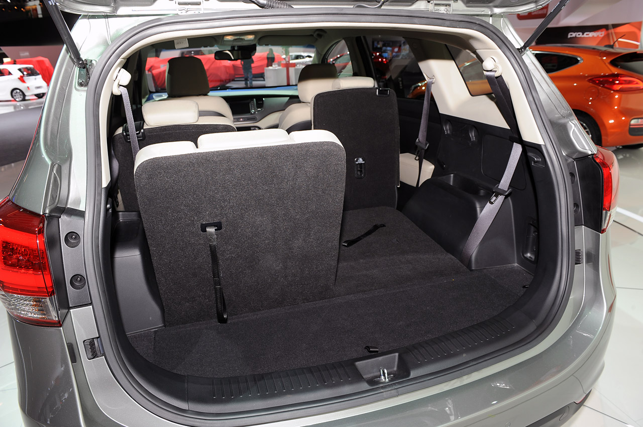 2015 kia rondo quality review release date price and specs. Black Bedroom Furniture Sets. Home Design Ideas