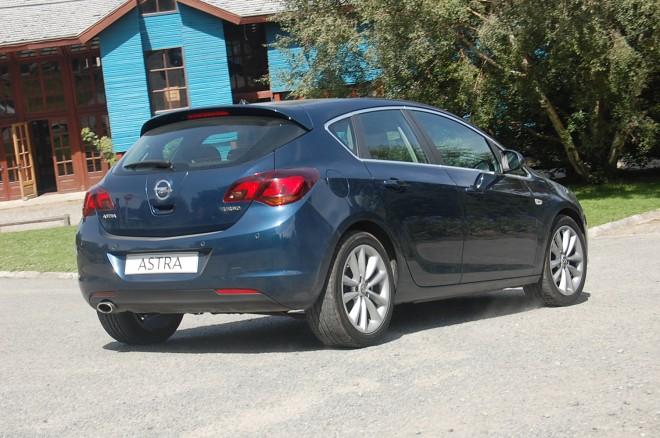 Opel astra hatchback 5 puertas 2014 9 lista de carros - Opel astra 5 puertas ...