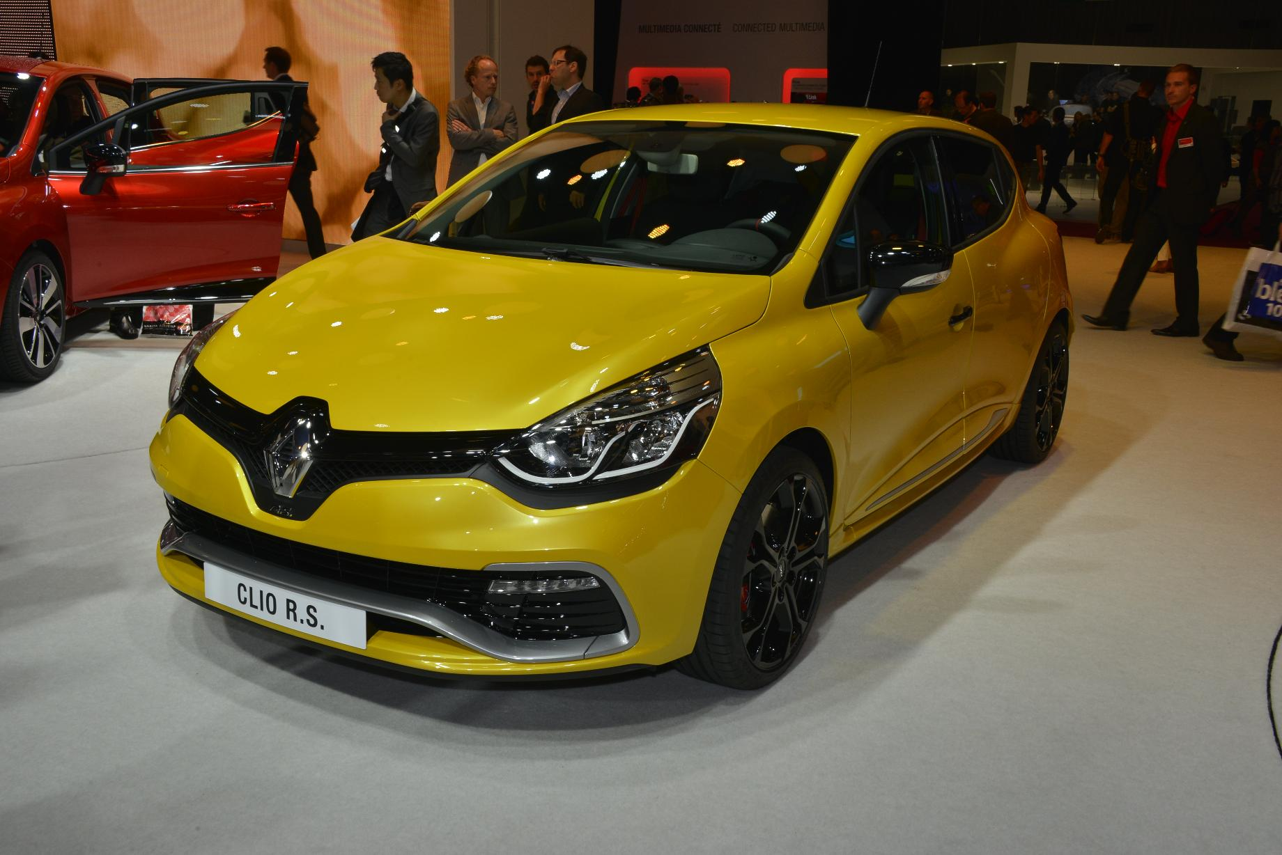 renault clio rs 2015 0 lista de carros. Black Bedroom Furniture Sets. Home Design Ideas