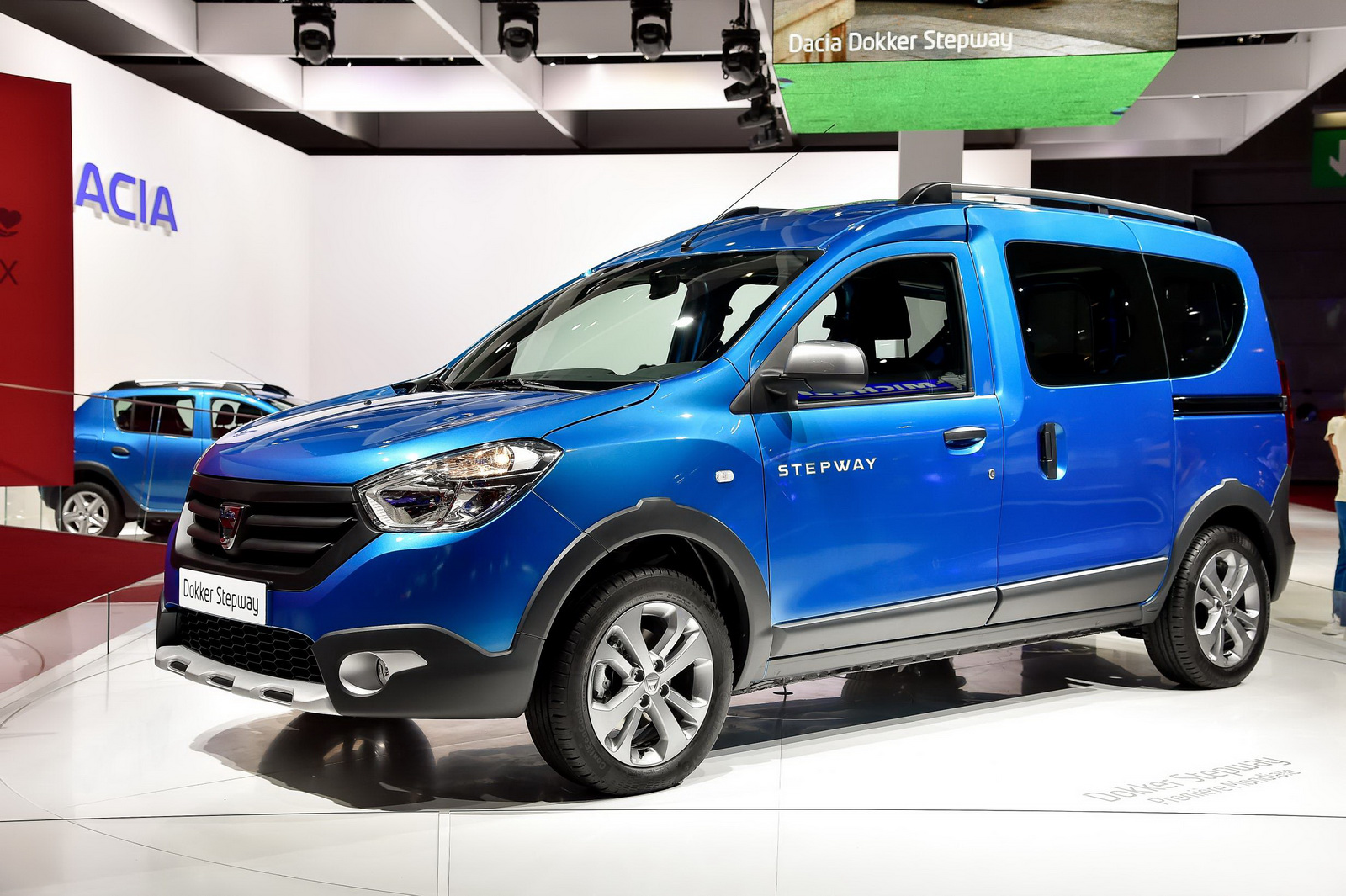 auto show de paris 2014 dacia lodgy stepway lista de carros. Black Bedroom Furniture Sets. Home Design Ideas